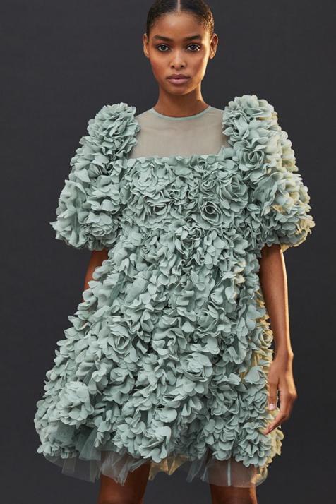 hym-vestido-flores-verde-kdIH-U120987441552SbF-476x714@MujerHoy