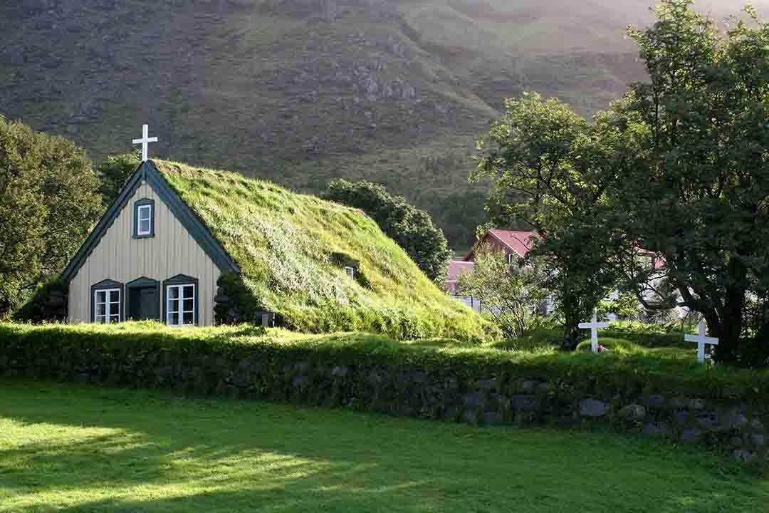 wood-and-turf-church-at-hof