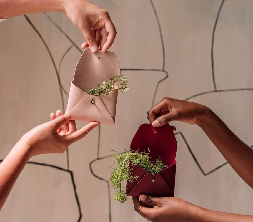 ecoosfera-cuero-vegano-manzana-bolsas-moda-sostenible